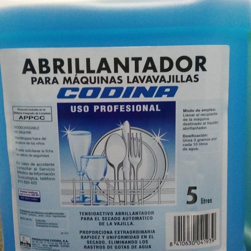 ABRILLANTADOR PARA MAQUINAS LAVAVAJILLAS 5L: SERVICIOS  Y PRODUCTOS de Neteges Louzado, S.L.