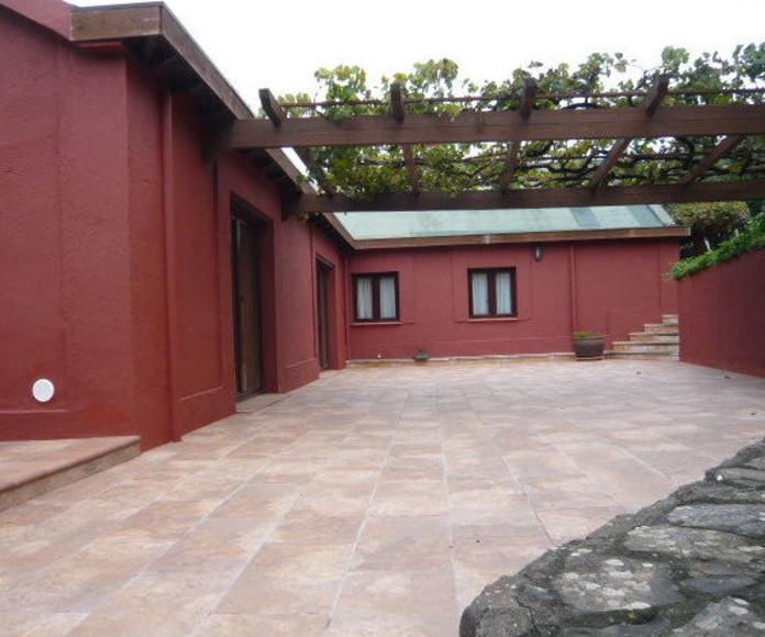 Reforma de vivienda, trabajos de barniz, pintura, impermeablización en La Laguna, Santa Cruz de Tenerife