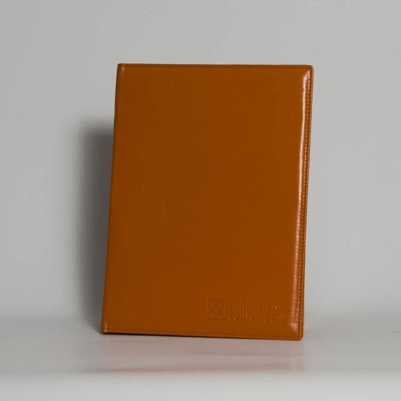 Portafolios PF-01638: Catálogo de M.G. Piel