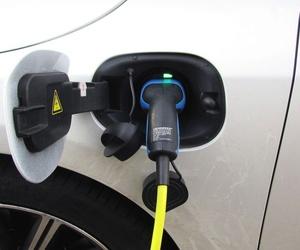 En Asturias faltan puntos de recarga para coches eléctricos