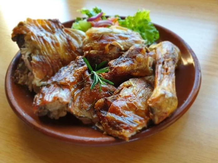 Llévate nuestra comida a casa. Restaurante La Corrobla. Salamanca