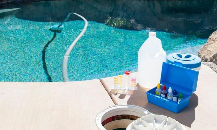 Mantenimiento de piscinas: Suministros y servicios de Fontanería HLC