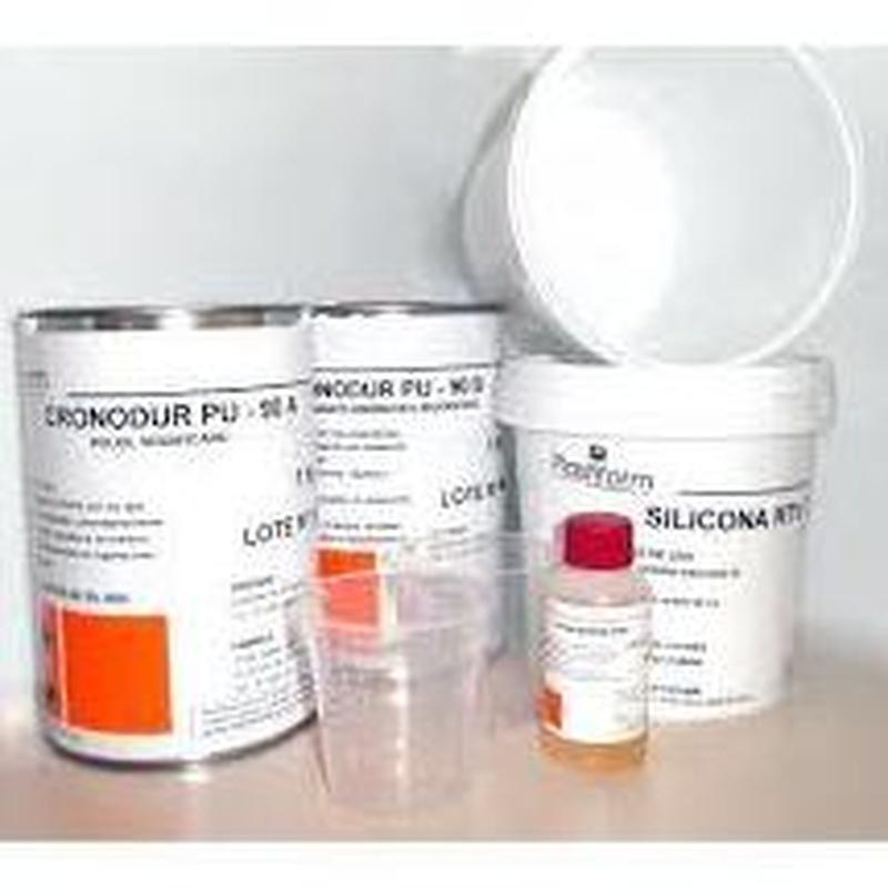 KIT resina de poliuretano PLASTIFORM en almacén de pinturas en ciudad lineal.
