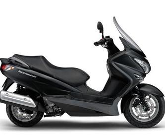 Carnet A2: Motos, boutique y accesorios. de Suzuki Center (San Sebastian de los Reyes)
