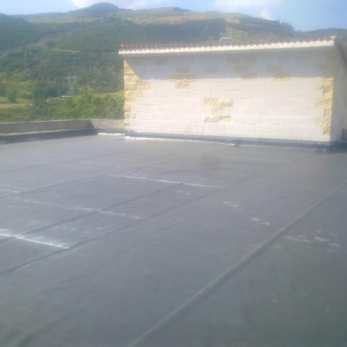 Impermeabilización de cubierta con Caucho Butilo E.P.D.M.