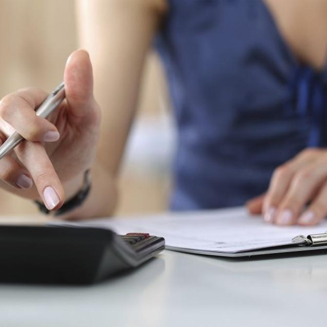 ¿Cómo ahorrarás gracias a una asesoría laboral?