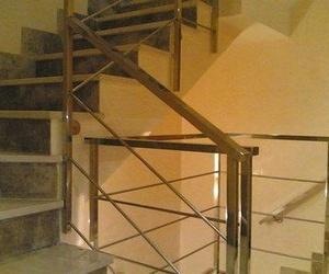 Diseño, fabricación e instalación de escaleras metálicas
