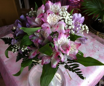Prendidos de novios y padrinos: Catálogo de Flores Maranta