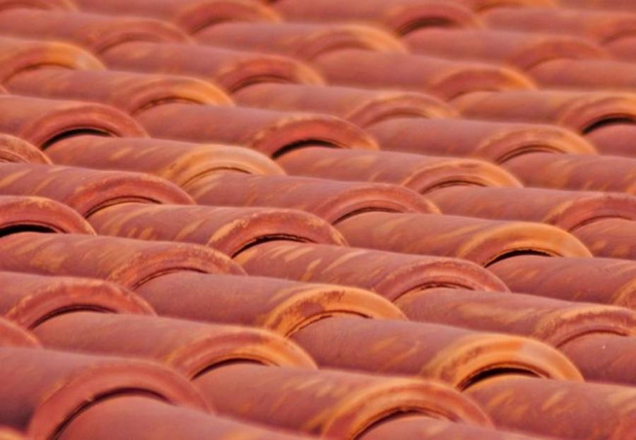 Tejas de cerámica y de hormigón