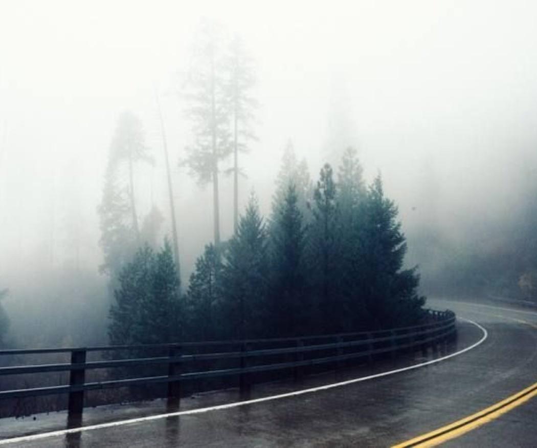 Cómo adaptar la conducción de tu moto a la lluvia