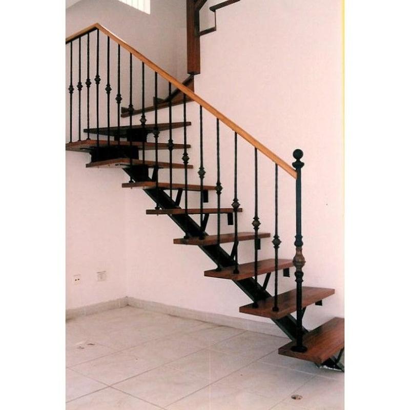Escaleras: Productos y servicios de Industria Herremetálica