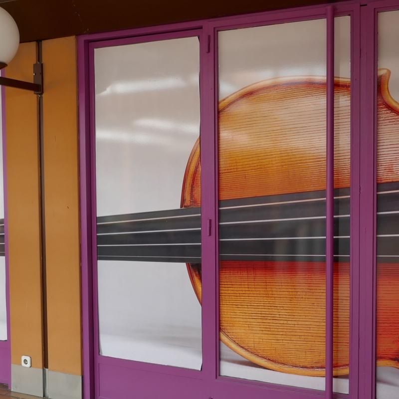 Escuela de música Pizzicato y Mago Diapasón: Tiendas de Zoco Villalba