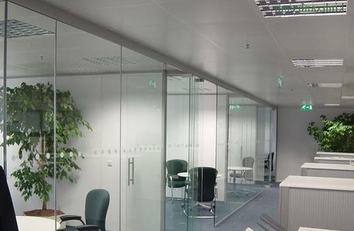 Empresas de cristalería en L'Eixample de Barcelona