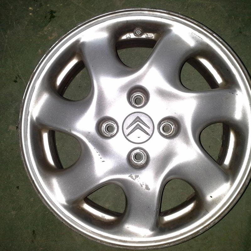 Llantas de aluminio de Citroen en R-15 de 4 tornillos