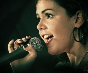 Cantar proporciona grandes beneficios: descubre cuáles