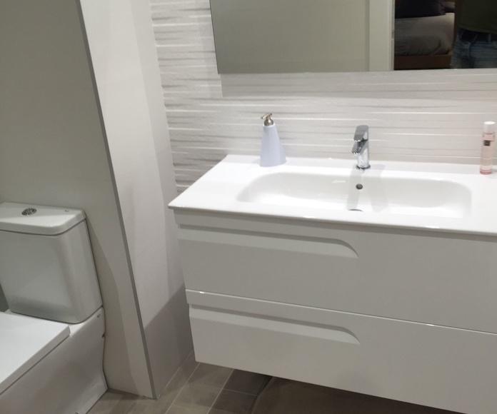 Reforma baño y mobiliario