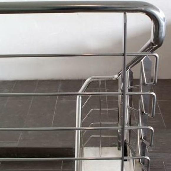 Barandillas de Acero: Productos y servicios. de Cerrajería Jovipac