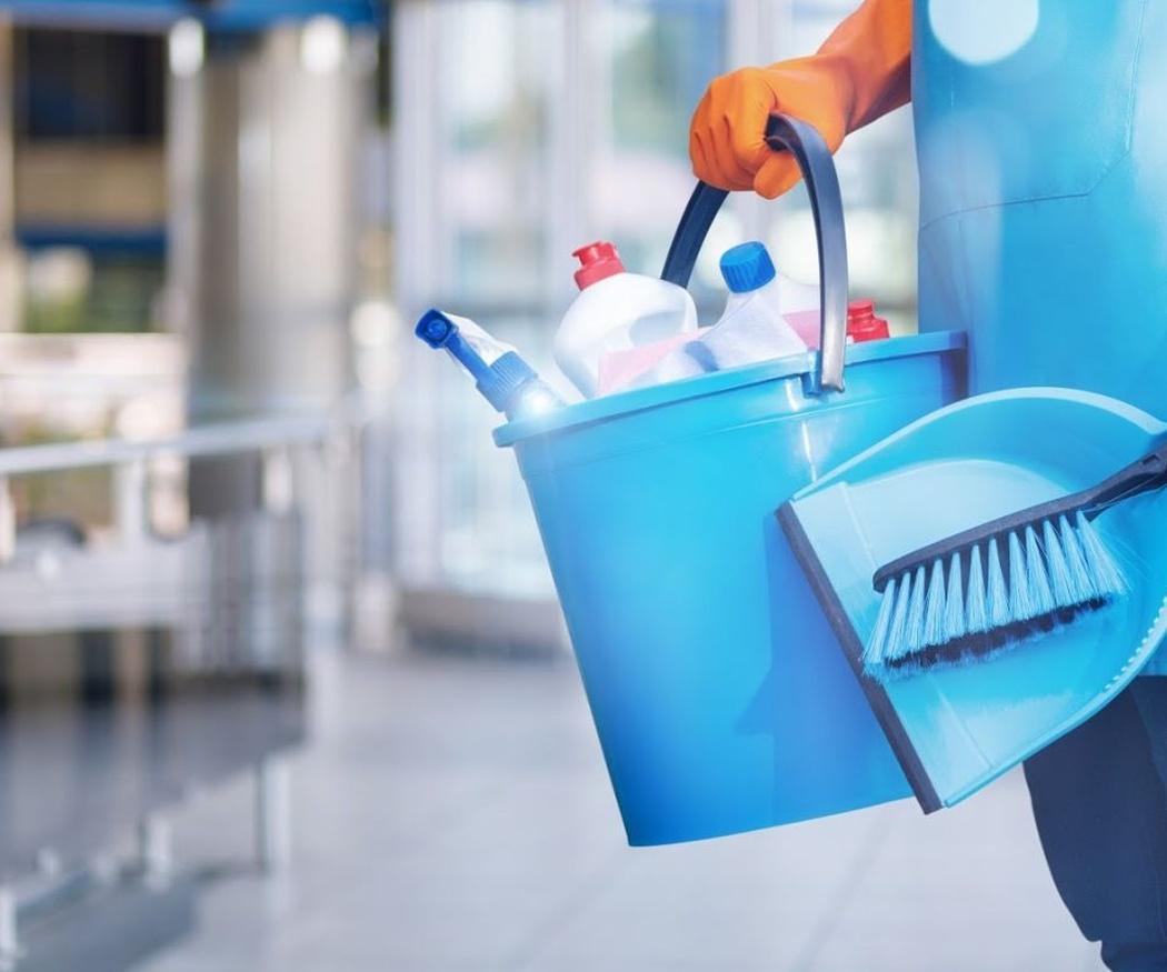¿Por qué es recomendable utilizar productos de limpieza biodegradables?