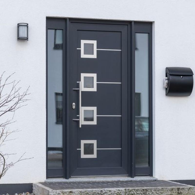 Puertas de hierro de una hoja practicable: Catálogo de Carpintería aluminio Vicar