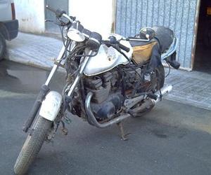 Suzuki GS 400 1980 (antes)