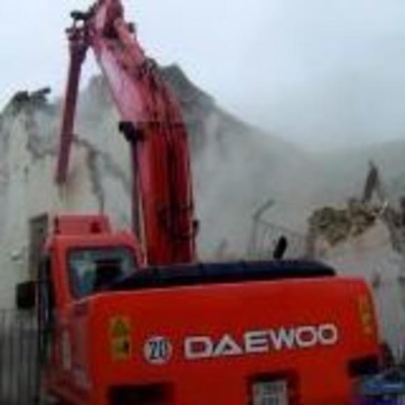 Demoliciones: Productos y servicios de Alquileres Frías Málaga