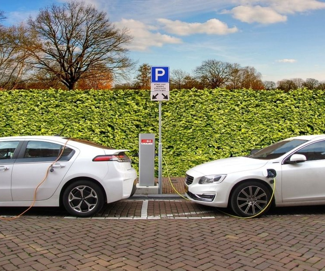 Cuánto tarda en cargarse un coche eléctrico