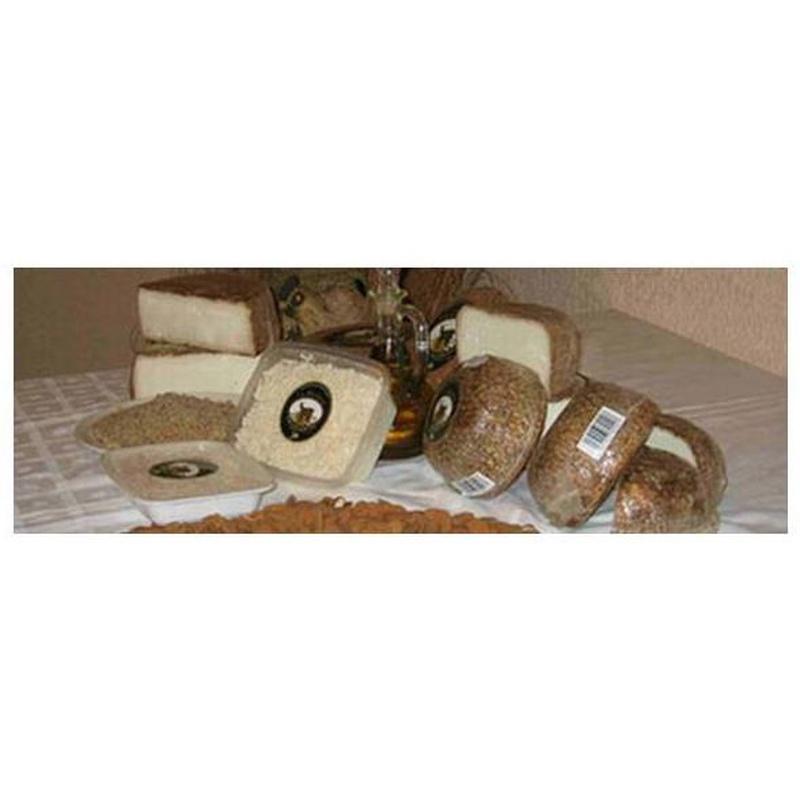 Queso de Cabra Curado a la Almendra:  de La Yerbera