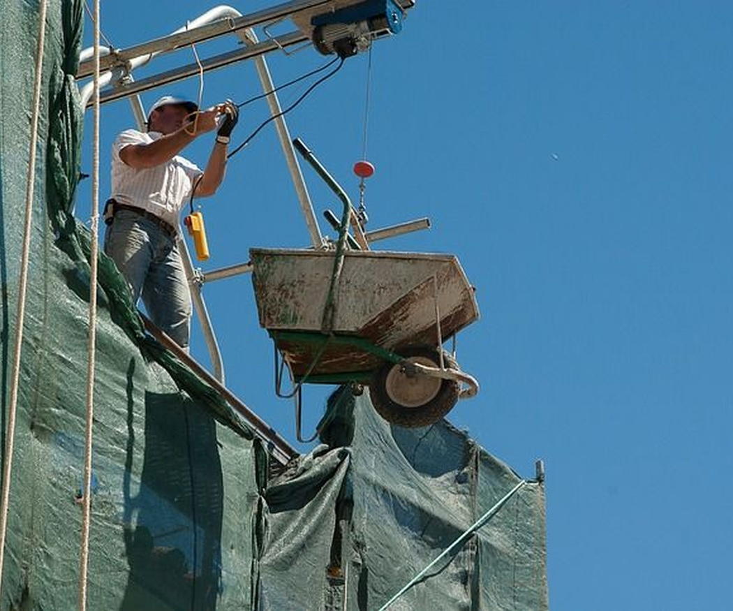 ¿Qué requisitos legales debe cumplir una empresa de trabajos en altura?