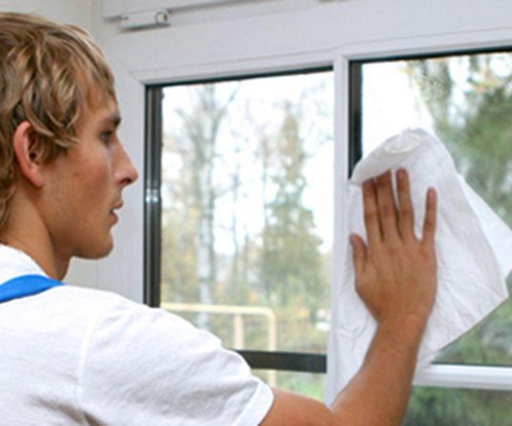 ¿Cuál es la forma correcta de limpiar cristales de ventanas?