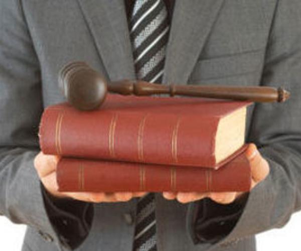 Abogado especializado en diferentes ramas del Derecho
