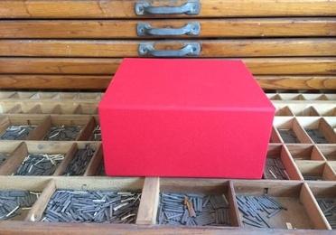 Caja forrada con imán