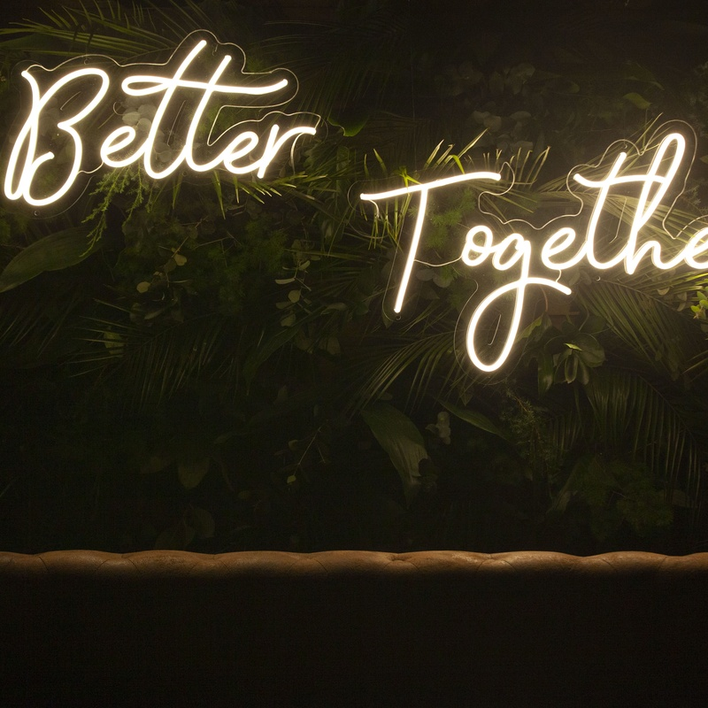 Neón BETTER TOGETHER: Decoración de eventos de DeMadera Chic
