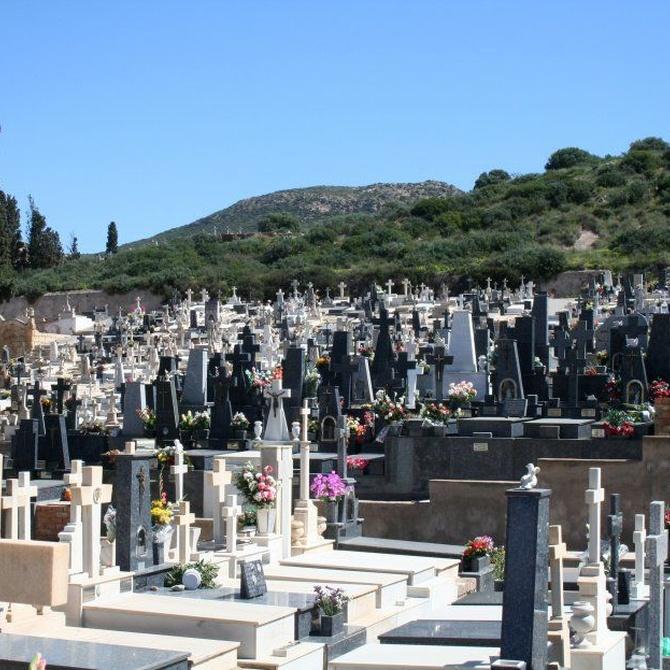 El mármol sigue siendo el material más utilizado en las lápidas