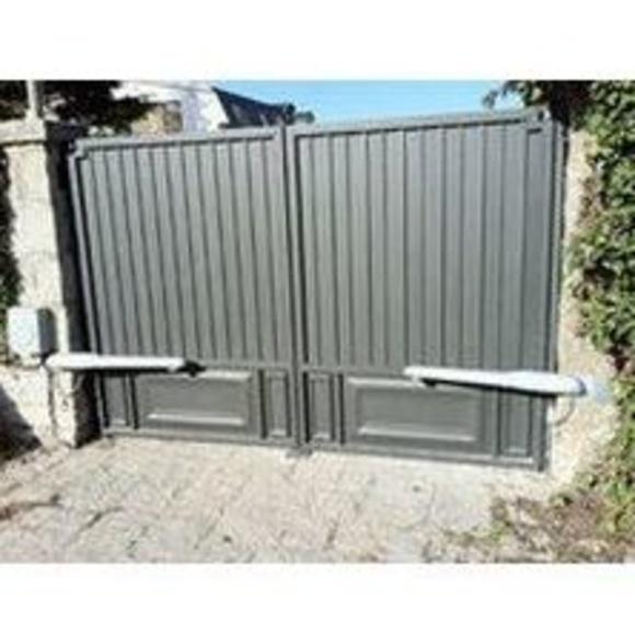 Puertas abatibles: Estilos de puertas de MAFA, S.L.