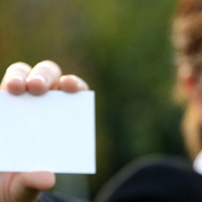 ¿Sabes cómo nacieron las tarjetas de visita?