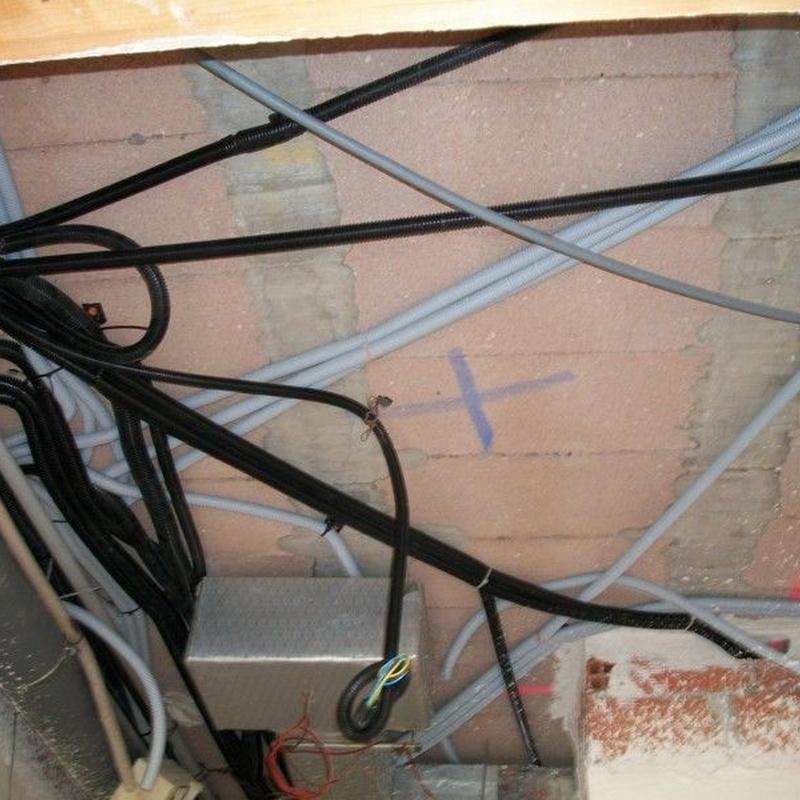 Reparaciones  e instalaciones: Catálogo de Instalaciones Eléctricas Santiago Alafont