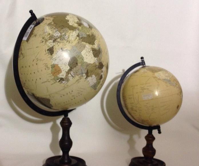 Decoración: Bolas del mundo con pie de madera: Catálogo de Ste Odile Decoración