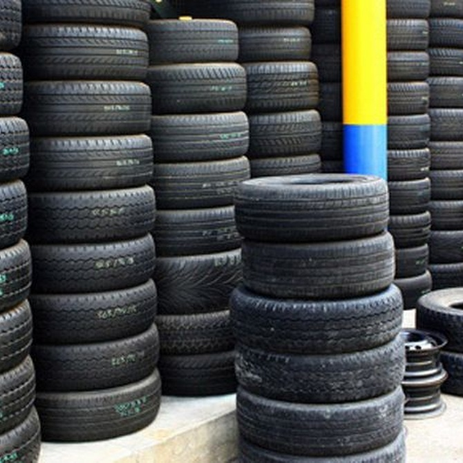 Los neumáticos recauchutados no se deben utilizar en turismos