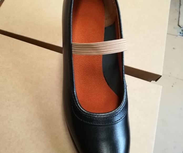Zapato negro en piel Modelo 10: Productos de Calzados Malaca