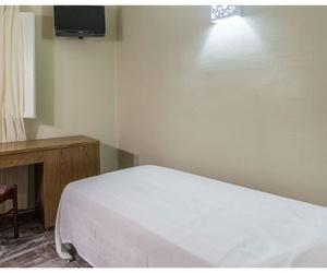 Habitaciones individuales con televisión  en Balaguer