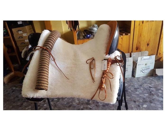 Oferta. Montura vaquera fibra/paja con asiento profundo y doble zalea