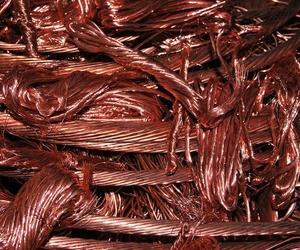 Chatarra de cables y mangueras