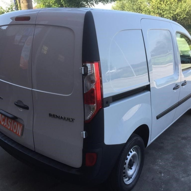 Renault Kangoo 1.5DCI 75CV doble puerta lateral: Vehículos de ocasión de OCASIÓN A LAGOA