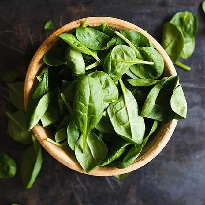 Come a lo grande: beneficios de las espinacas