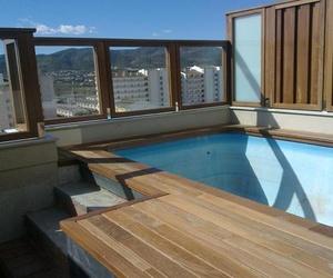 Suelos de madera para piscinas