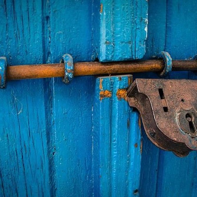 Origen de la puerta de madera