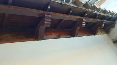 Voladizo de madera restaurado en Mallorca
