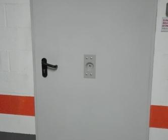 Copia de mandos de garaje: Servicios de Puertas Y Armarios Zarautz