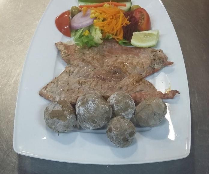 Carnes a la brasa y al grill: Servicios de Restaurante las Palmeras de Fasnia