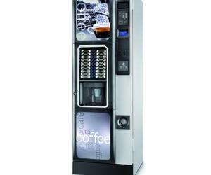 Máquinas de café y bebida caliente